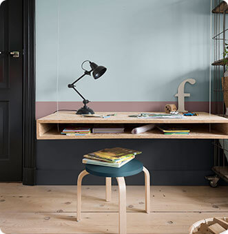 Inviting Home Desk