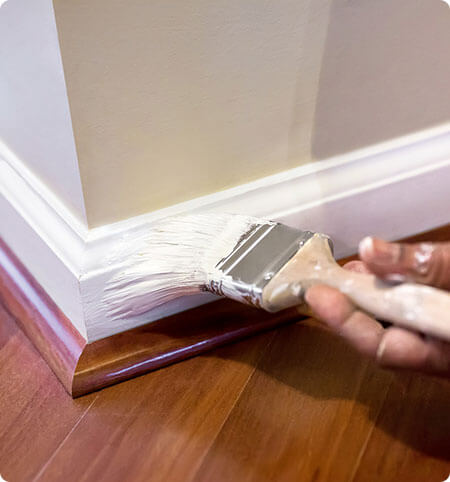 painting a skirting board with dulux trade quick dry